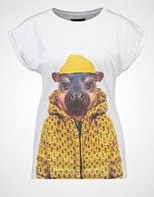 Saint Noir LITTLE HIPPO Tshirts med print white