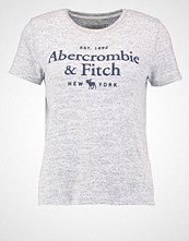 Abercrombie & Fitch LITTLE BOY Tshirts med print grey
