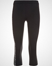 Under Armour FAVORITE  3/4 sports trousers black/white