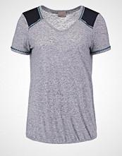 Vero Moda VMANNEMONA Tshirts med print navy blazer melange