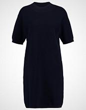 someday. QUADRAN Strikket kjole reliable blue