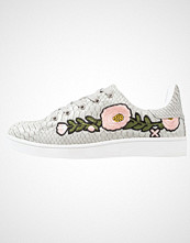 Missguided FLORAL Joggesko silver