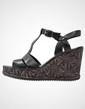 Clarks ADESHA RIVER Sandaler med høye hæler black