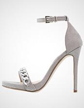 Missguided Sandaler med høye hæler grey
