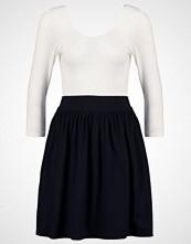 Vero Moda VMMAGGIE Jerseykjole snow white/black solid