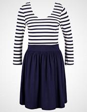 Vero Moda VMMAGGIE Jerseykjole navy blazer/snow white