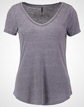 Only ONLRITA Tshirts blackened pearl