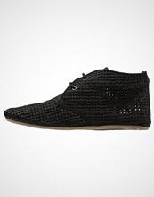 Maruti GINNY Ankelboots black metallic