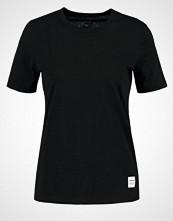 Converse ESSENTIALS Tshirts black