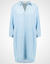Soaked in Luxury DALINA Sommerkjole light blue denim