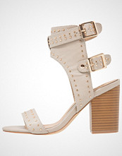 Missguided Sandaler med høye hæler cream
