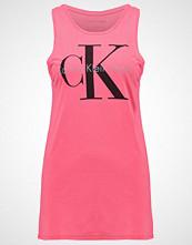 Calvin Klein TYLER TRUE ICON Topper pink
