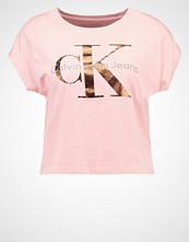 Calvin Klein TAKA Tshirts med print pink