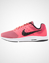Nike Performance DOWNSHIFTER 7 Nøytrale løpesko neon pink