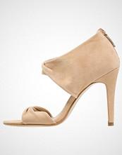 KIOMI Sandaler med ankelstøtte beige