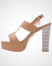 Laura Biagiotti Sandaler med høye hæler sand