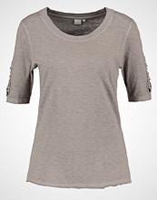 Cream TASHILA Tshirts med print khaki
