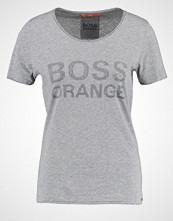 Boss Orange TILOGO Tshirts med print medium grey