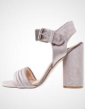 Miss Selfridge CAI Sandaler med høye hæler grey