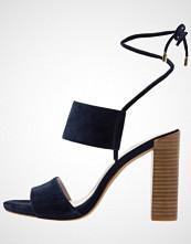 Kenneth Cole New York DESS Sandaler med høye hæler marine