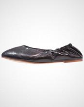 Vagabond NEA Ballerina black