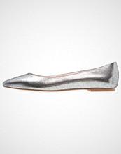 KIOMI Ballerina argento