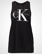 Calvin Klein TYLER TRUE ICON Topper black