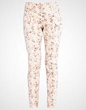 Cream DANIELA Slim fit jeans pink tint