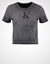Calvin Klein Tshirts med print washed black