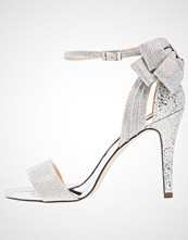 Menbur CELOSIA Sandaler med høye hæler plata