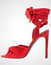 Kendall + Kylie DELILAH Sandaler red