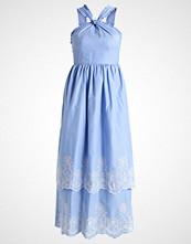mint&berry Fotsid kjole della robbia blue