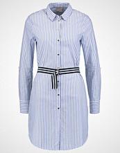 Vero Moda VMMATTI  Kjole medium blue denim/bright white