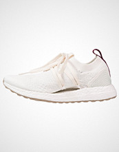 Adidas by Stella McCartney ULTRA BOOST X Nøytrale løpesko white/vapor green/chestwood