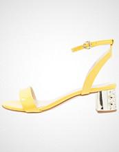 Minelli Sandaler jaune