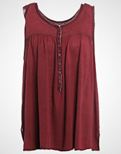 Free People Topper wine