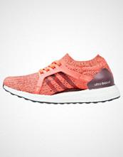 Adidas Performance ULTRABOOST X Nøytrale løpesko easy coral/maroon/glow orange
