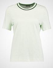 KIOMI Tshirts med print light green