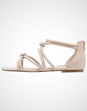 KIOMI Sandaler nude