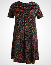 New Look Curves REMY FLORAL Sommerkjole black