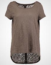 Only ONLCASA Tshirts med print tarmac