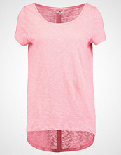 Only ONLCASA Tshirts med print strawberry ice