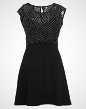 Morgan RTRINA Jerseykjole noir/off white