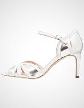 KIOMI Sandaler white/argento