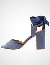 mint&berry Sandaler med høye hæler blue