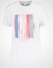 Lost Ink Tshirts med print multicolor