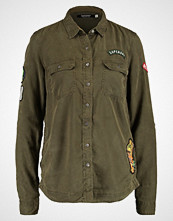 Superdry PATCHED MILITARY Skjorte vine khaki