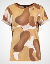 G-Star GStar SUNDU CAMO POCKET R T S/S Tshirts med print oxide ocre