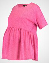 New Look Maternity Tshirts med print bright pink