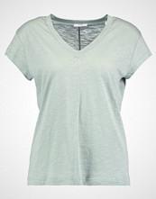 KIOMI Tshirts light green
